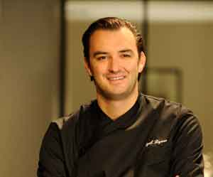 portrait de grand chef cuisinier cyril lignac. Black Bedroom Furniture Sets. Home Design Ideas